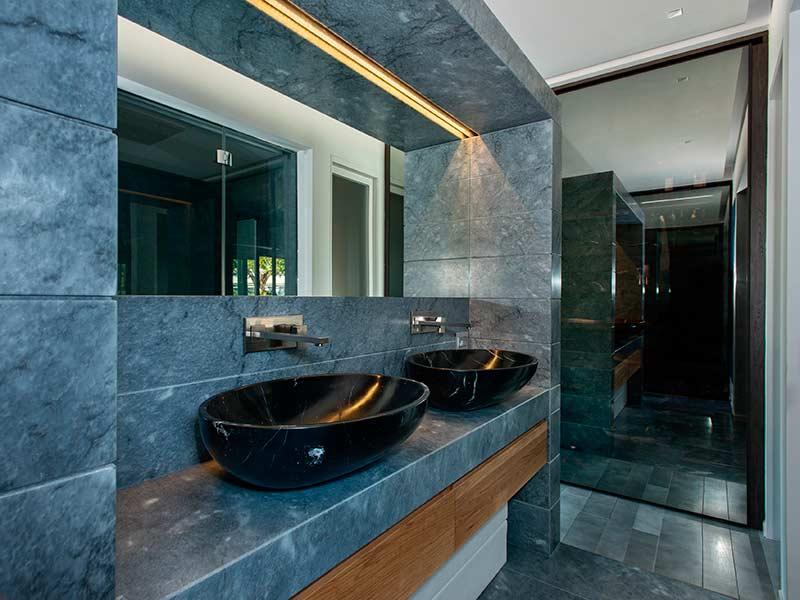 Bagni In Marmo Immagini : Bagni in marmo realizzati da artemarmi
