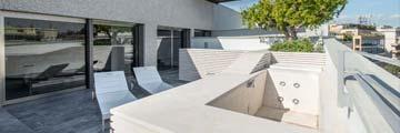 Appartamento ai Parioli con Roof Garden Terrazzo in pietra bocciardata
