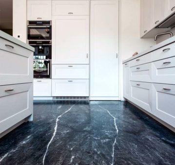 Cucina pavimento marmo bleu de savoie montato macchia aperta
